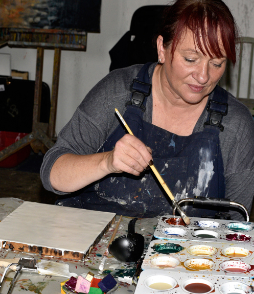 Jo mixing colours