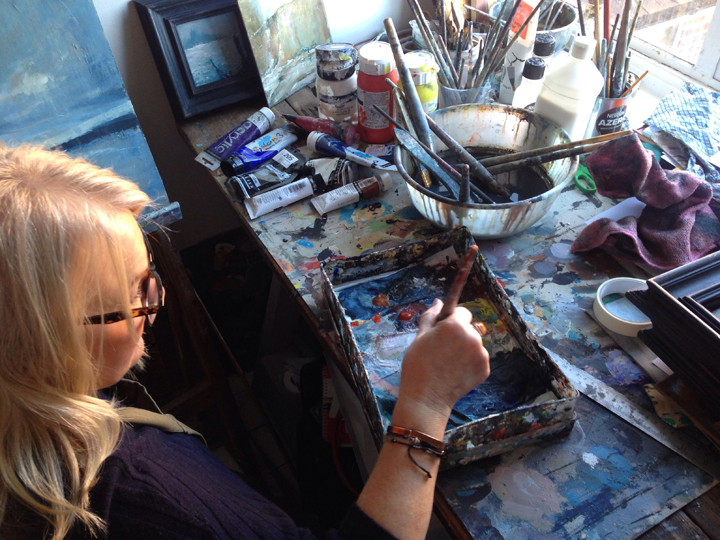 Photograph of Linda Sharman in her studio