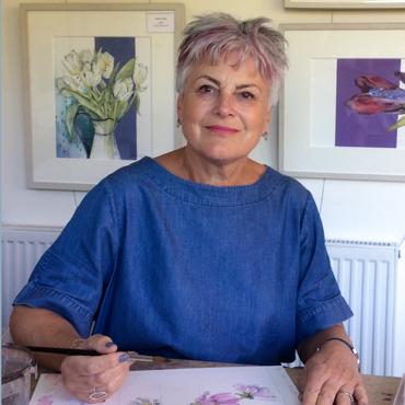 Photograph of artist Vivienne Cawson