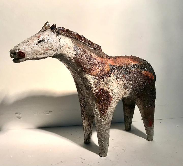 Henrietta Corbett, raku horse