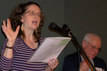 Photo of Sioban Logan reading poetry