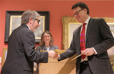 Thumbnail image of Chris Hailes presenting the prize to Charles Stanley Silver Prize winner Dave Pigeon - LSA Annual Exhibition 2017 Preview Evening