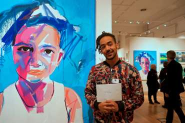 Thumbnail image of Tim Fowler with his painting and the Guy Dixon Prize - LSA Annual Exhibition - Preview Evening